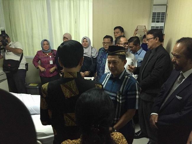 Presiden Jokowi, Wakil Presiden JK, dan Sejumlah Menteri Melayat Almarhum Ayahanda Kapolri Jenderal Pol Tito Karnavian